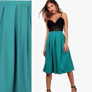 Dresses & Skirts - 🆕Teal box pleat midi skirt 🌟